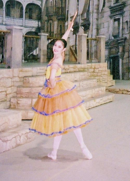 Larissa Higgins, Eastern Connecticut Ballet Alumni